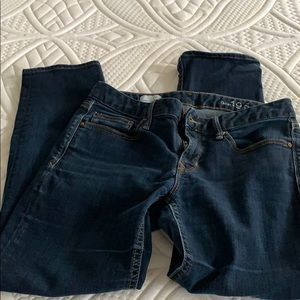 3for $20💙 Gap real straight 28s jeans